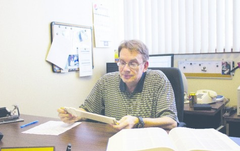 """Professor Spotlight: Dr. George E. Schnibben Jr """"Math Professor Subtracts Misconceptions"""""""