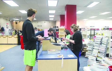 Textbook prices continue to rise; Professors, bookstore try to make books more affordable