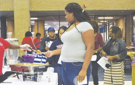 Students experience cultural diversity during international food festival