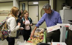Students, professors mingle at pastries event