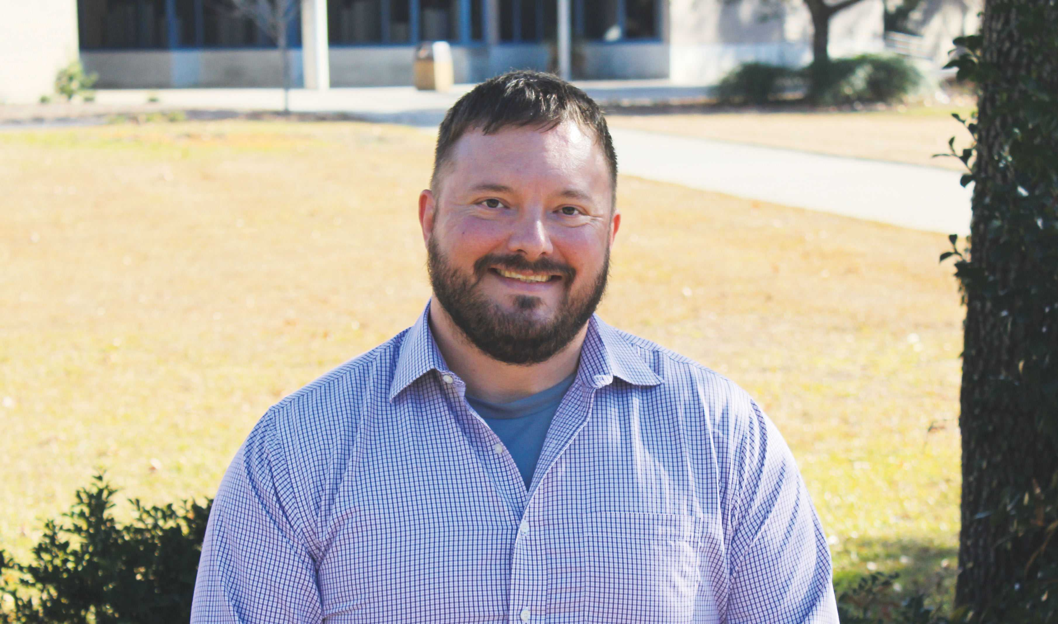 Professor Jeremy Lewis studies robotics to help better marine research. He hopes to create a robot capable of taking photos of reefs from under the water to help scientists study the marine life.