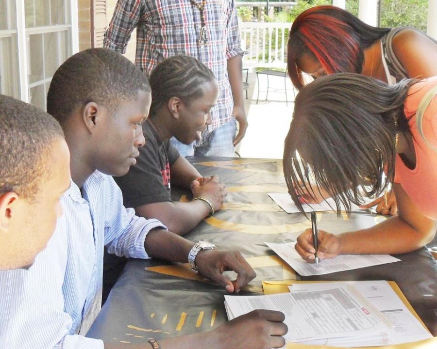 Alpha Phi Alpha holds voter registration