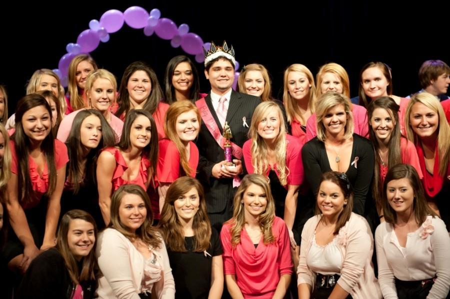 ZTA+raises+breast+cancer+awareness+with+Big+Man+on+Campus+pageant