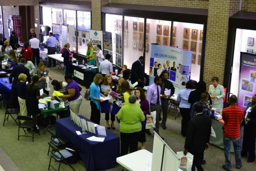 Spring Career Fair gives all students an opportunity to meet potential employers