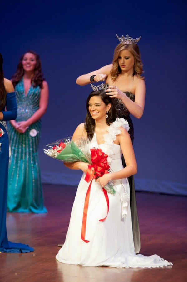 Balutis crowned Miss FMU 2012