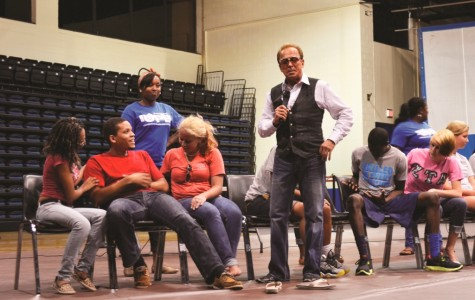 Dr. Wand mesmerizes students at annual Welcome Week show
