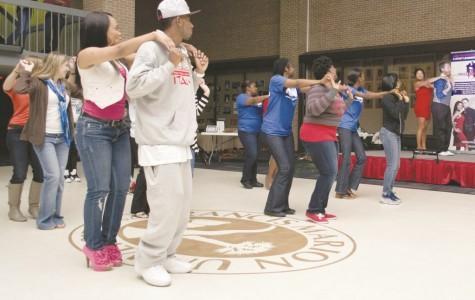 Salsa dancing livens up UC