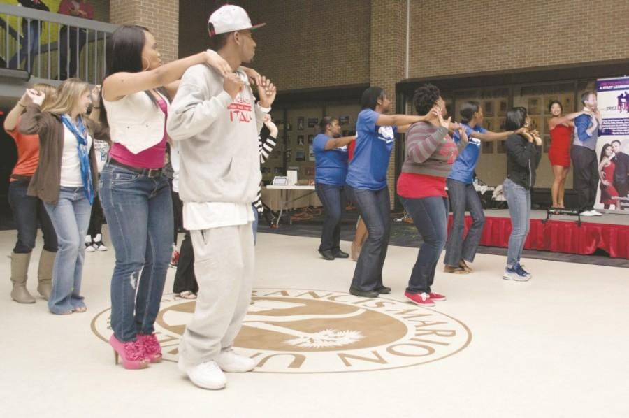 Salsa dancing livens up UC