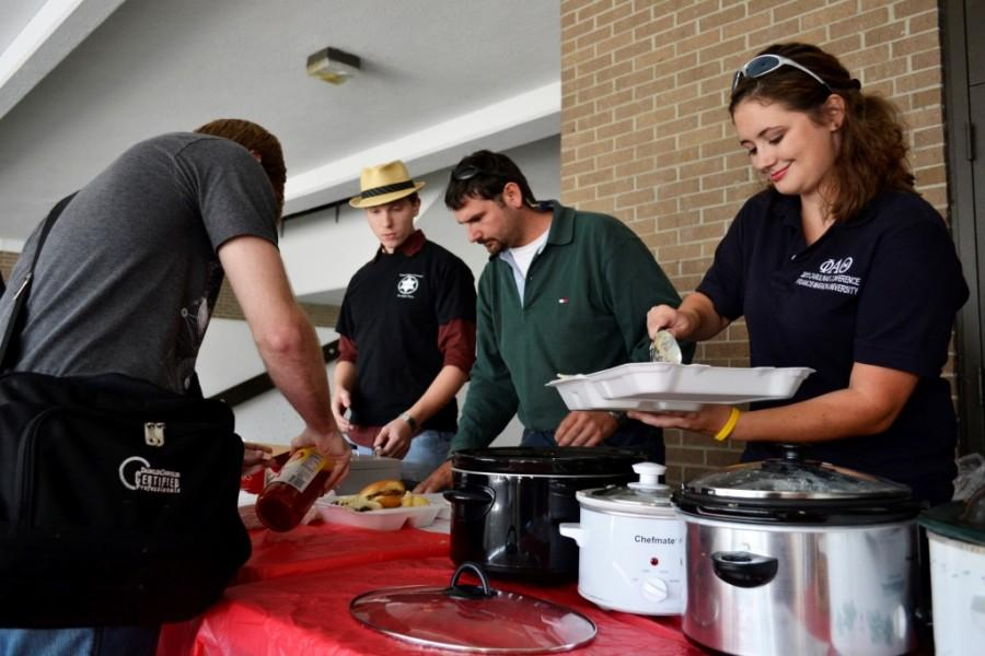 Phi Alpha Theta holds first International Lunch Express event to raise funds