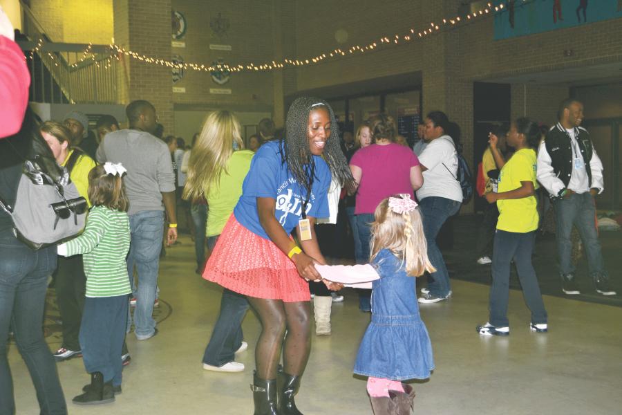 FMU+dances+until+the+dawn%3A+Dance+Marathon+raises+funds+for+sick+children
