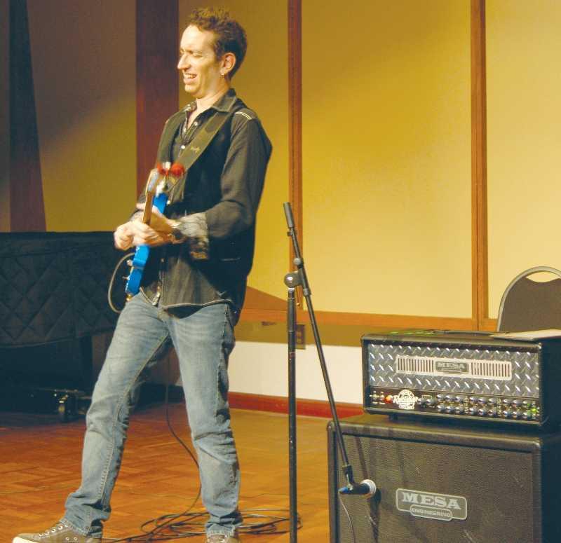 Renowned guitarist performs at FAC