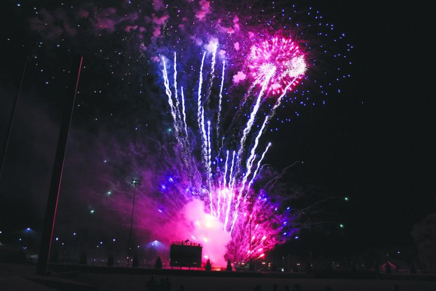 Fireworks+showcased+after+baseball+game