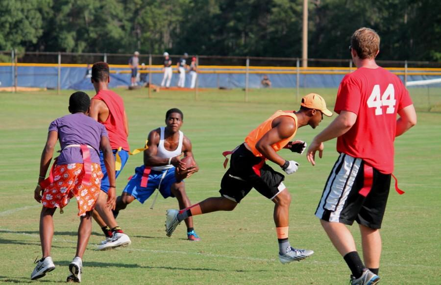 Flag+Football+returns+to+FMU+intramurals
