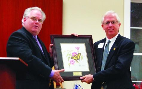 Local dentist receives biology alumni award