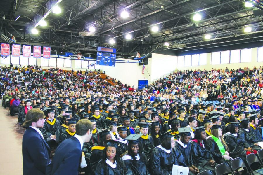 305 graduate in winter commencement! Students become alumni, celebrate achievements