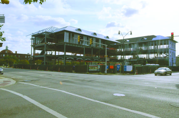 The health science facility is scheduled to begin housing classes for the fall semester of 2016. Construction is on schedule and is ex- pected to be finished on-time. The facility is located downtown Florence at the corner of Evans Street and Irby Street.
