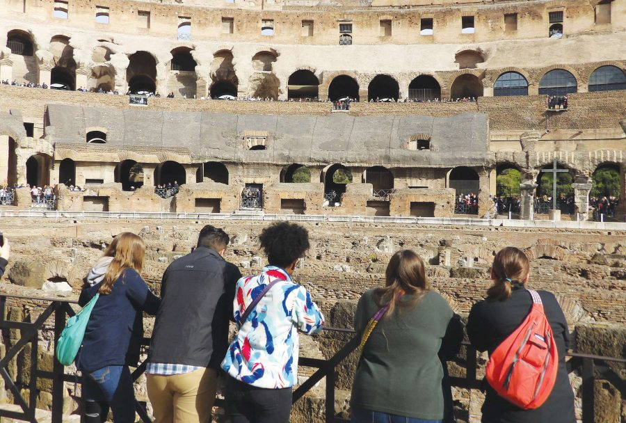FMU+Honors+Ambassadors+and+McNair+Scholars+traveled+to+Italy+during+spring+break%2C+visiting+landmarks+such+as+the+Coliseum+and+the+Vatican.