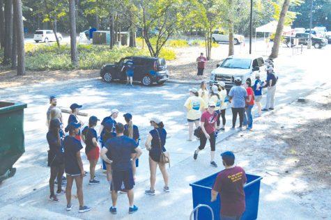 Freshmen, transfers move to campus