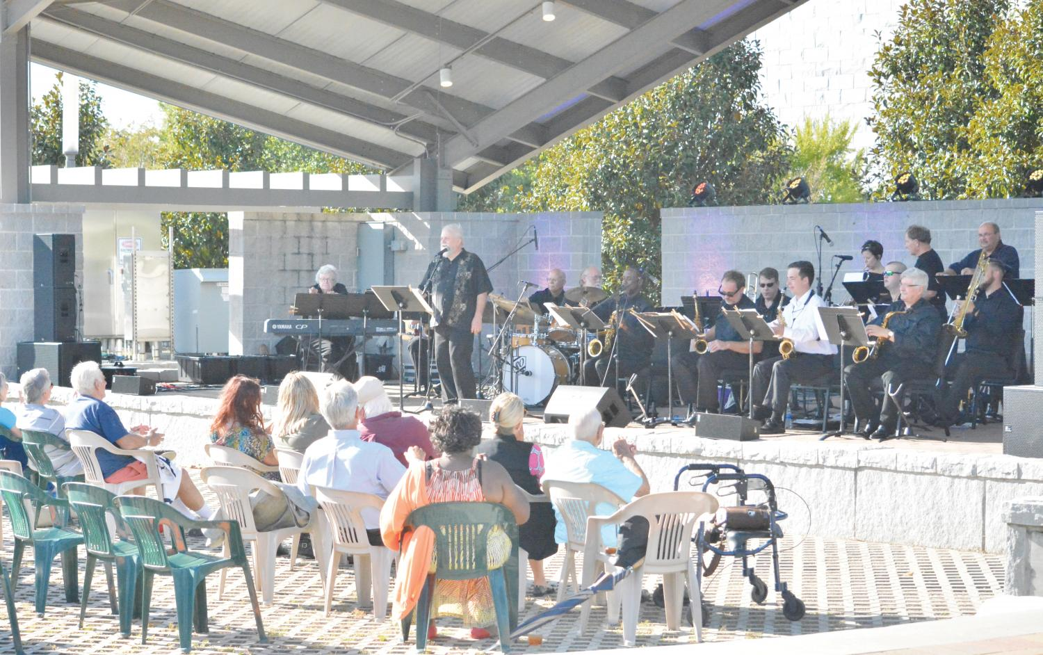 The Florence Area Big Band plays jazz music from the 1940s. FMU alum Rod Pope performs with the Florence Big Area Band.