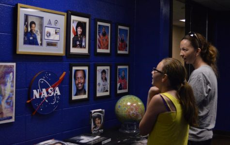 Planetarium showing teaches life of stars
