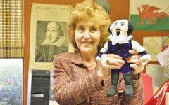 FMU honors English professor with scholarship namesake