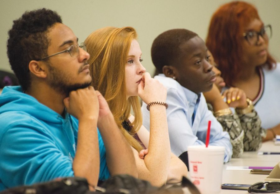 FMU students and faculty gather to hear veteran journalist Deborah Potter at news engagement day.