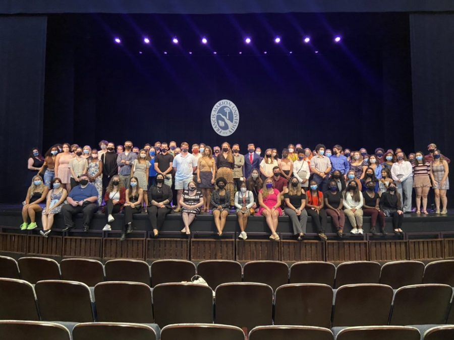 Honors program poses for picture at the end of annual welcoming event at the PAC.